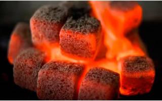 Как разжечь угли для кальяна в домашних условиях